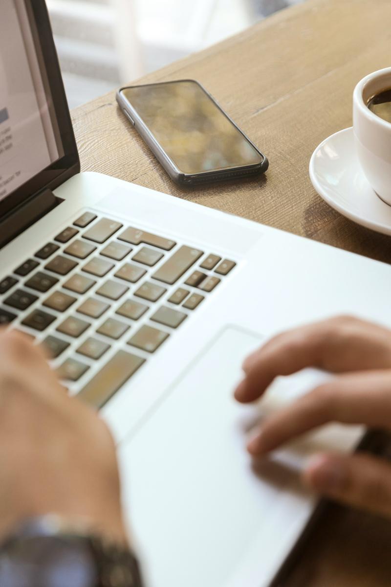 Im LinkedIn Seminar lernen Sie erfolgreiche LinkedIn Strategien und den effektiven Einsatz des Sales Navigator kennen (Foto: © unsplash.com/@linkedinsalesnavigator)